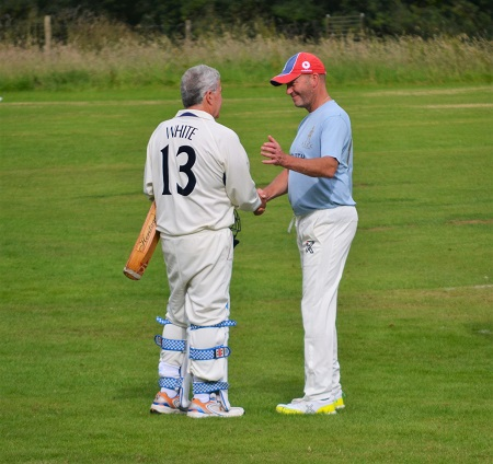 CRAIG WHITE WELCOMES PRESIDENT ROBERT STREET TO THE WICKET